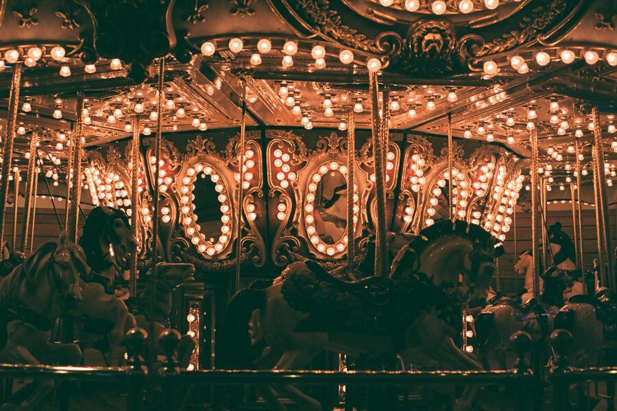 Indoor carousel