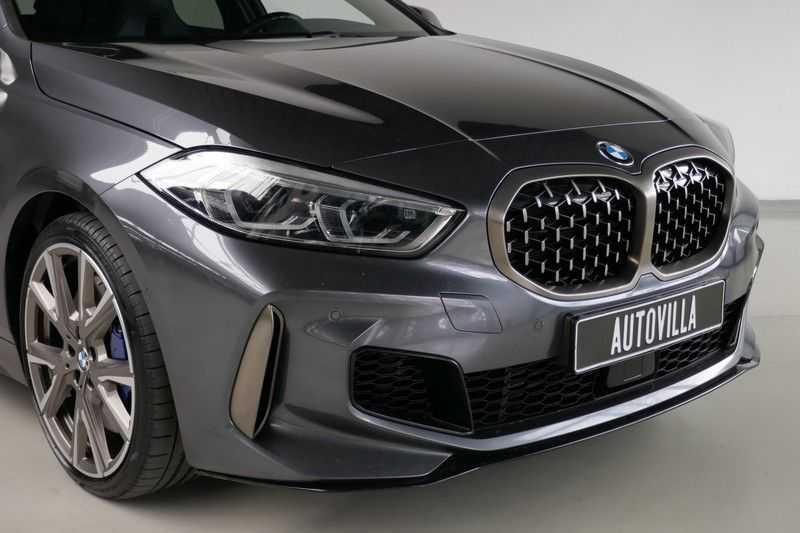BMW 1 Serie M135i xDrive High Executive Virtual - Led - Panodak afbeelding 18