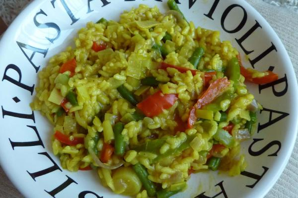 image from Easy Vegetarian Paella Recipe