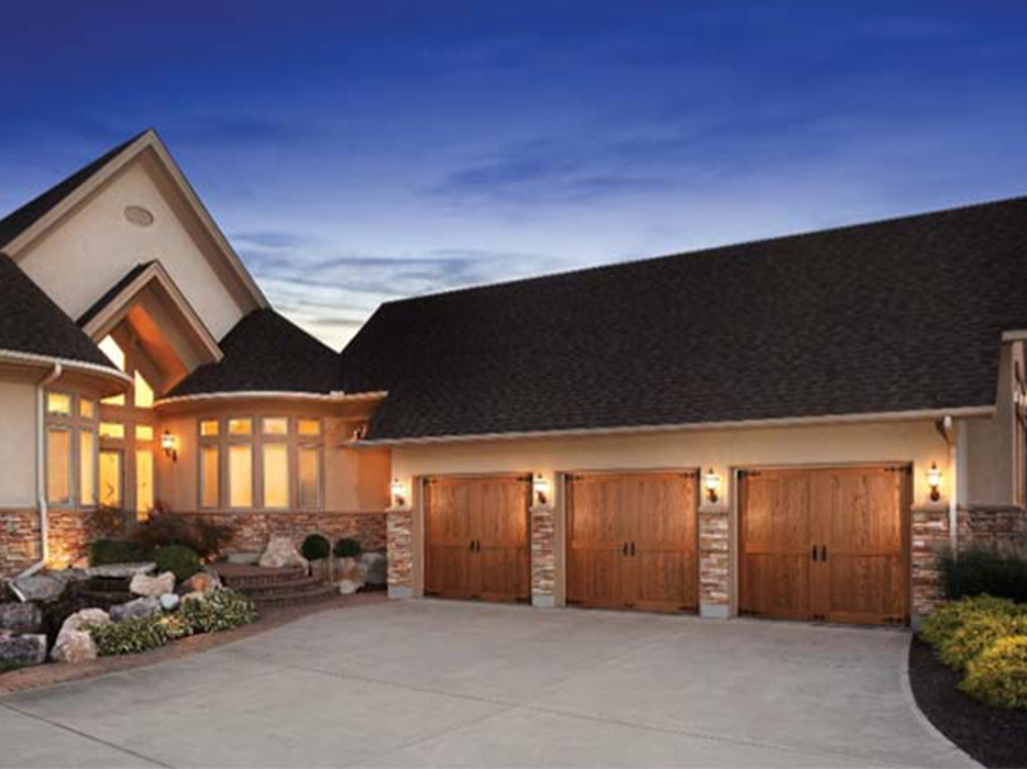 Enhance your home's natural curb appeal with a set of stunning new garage doors. With durability and cost savings as well as energy efficiency, Clopay garage doors combine the best of both worlds when it comes to beauty and style.