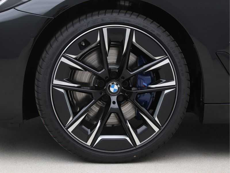 BMW 5 Serie 530i High Exe M-Sport afbeelding 19