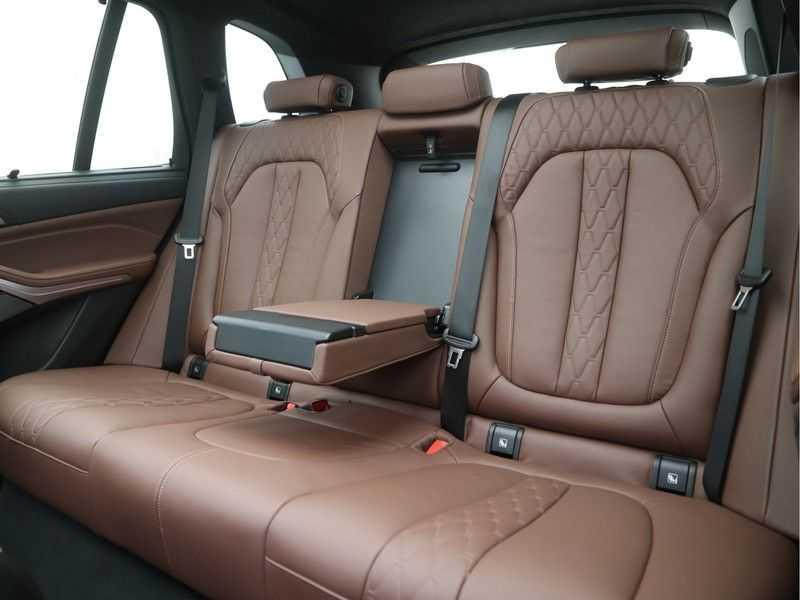 BMW X5 xDrive 45e High Executive M-Sport Automaat afbeelding 18