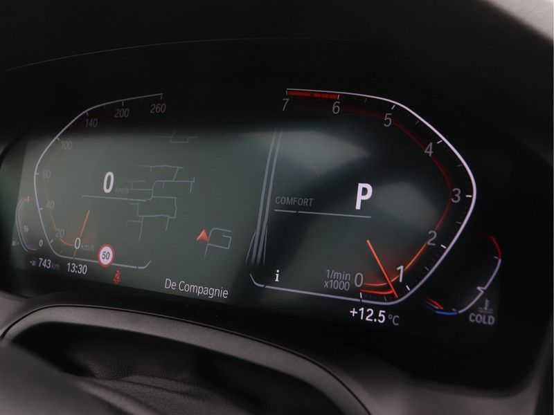 BMW 3 Serie Sedan 318i Executive Sport Line Automaat afbeelding 7
