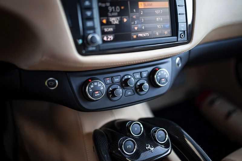 "Ferrari FF 6.3 V12 HELE *Collector Car / Passenger Display / 20"" / Carbon / Memory* afbeelding 20"