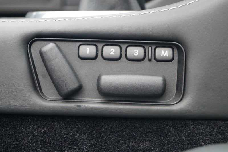 Aston Martin DBS Volante 6.0 V12 6-Speed Manual *!*Only 43 worldwide*!* afbeelding 23