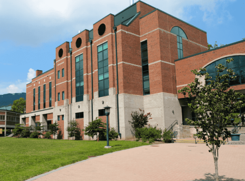 Accruent - Resources - Blog Entries - 3 Tips for Managing Your Campus Facilities Health & Safety Procedures with FAMIS - Hero