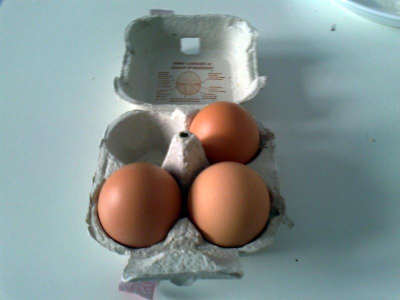 • 3 uova
