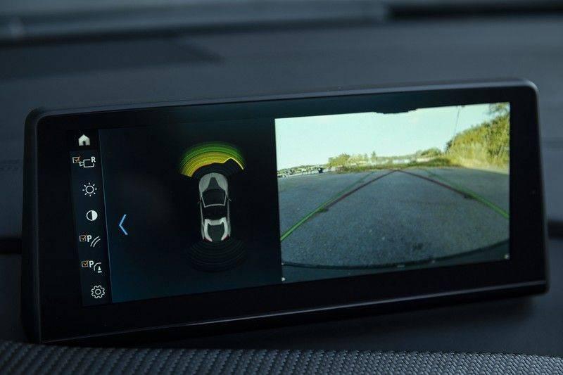 BMW i8 Roadster Dry Carbon, Carbon interieur afwerking, Accaro fijn nappa leder, Progressive package , Laser LED Koplampen afbeelding 19