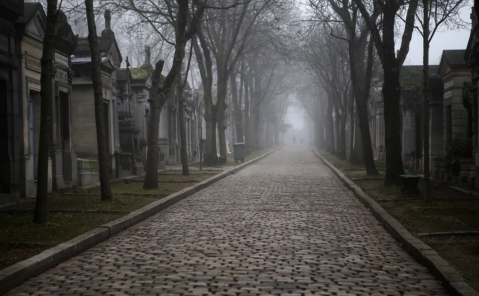 Père Lachaise, the Real Manderley, Mary Shelley, Postcard Art & More: Endnotes 23 October