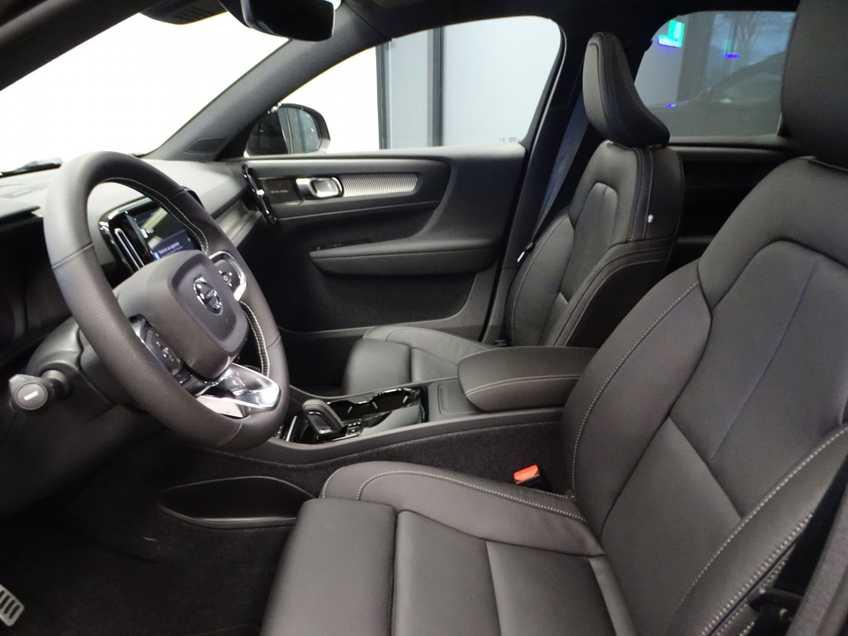 """Volvo XC40 Recharge P8 AWD R-Design EX BTW 20""""LM Panorama Leder 8% Bijtelling meerdere op voorraad! afbeelding 20"""