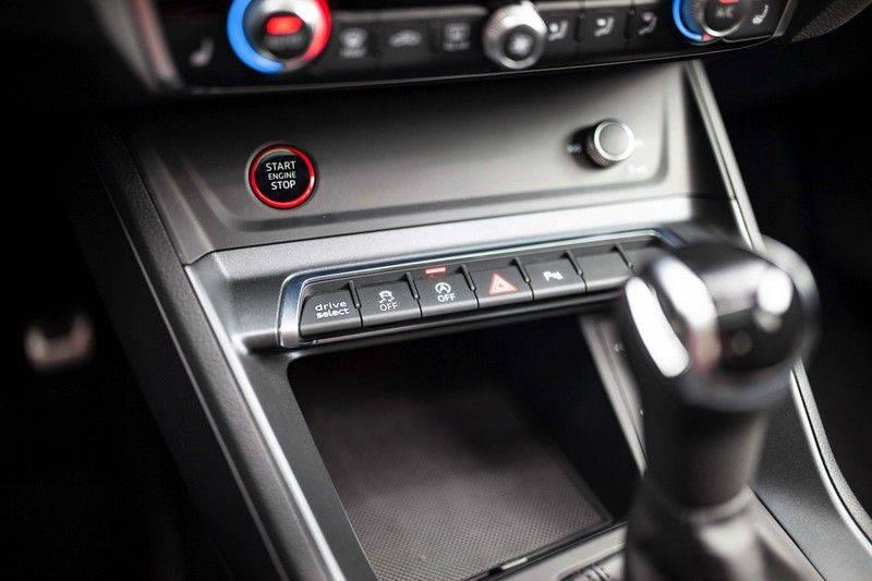 Audi RS Q3 2.5 TFSI Quattro *B&O / Pano / ACC / RS Sportstoelen / Sportuitlaat / Trekhaak* afbeelding 23