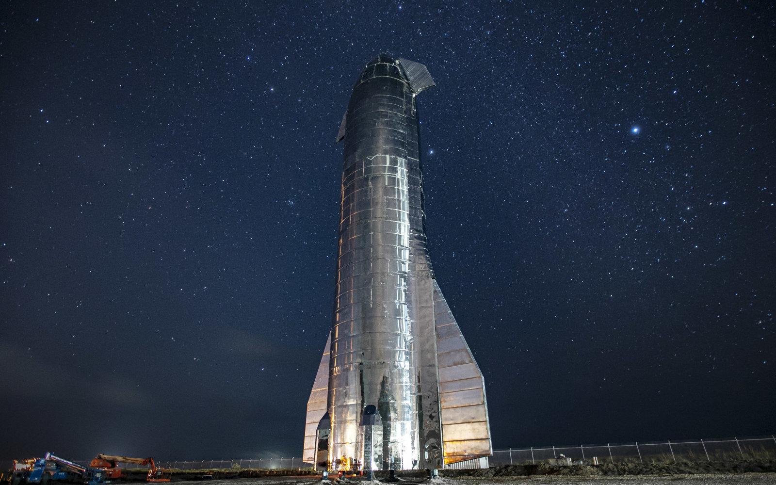 Figure 1: Prototipul Starship, parte a viitoarei rachete BFR (sursa foto: SpaceX)