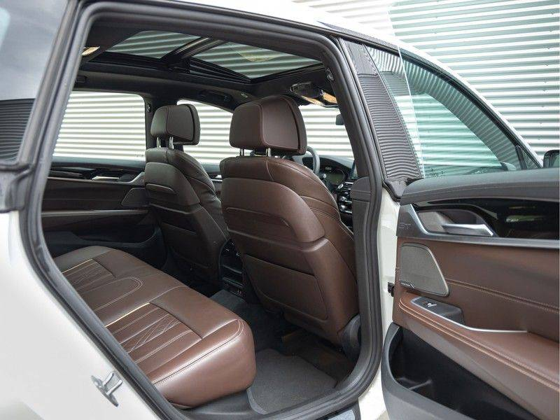 BMW 6 Serie Gran Turismo 630i High Executive - M-Sport - Luchtvering - Facelift - Panorama afbeelding 18