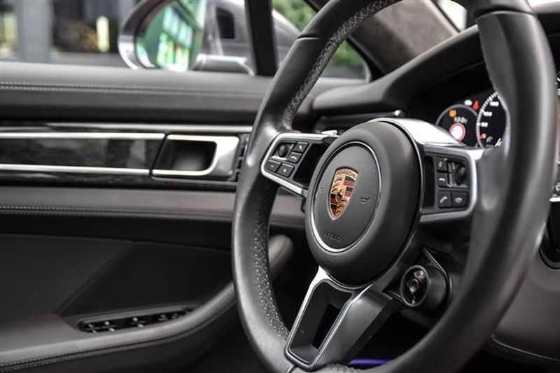 Porsche Panamera TURBO EXECUTIVE SPORTDESIGN+PCCB+MASSAGE NP.259K afbeelding 14