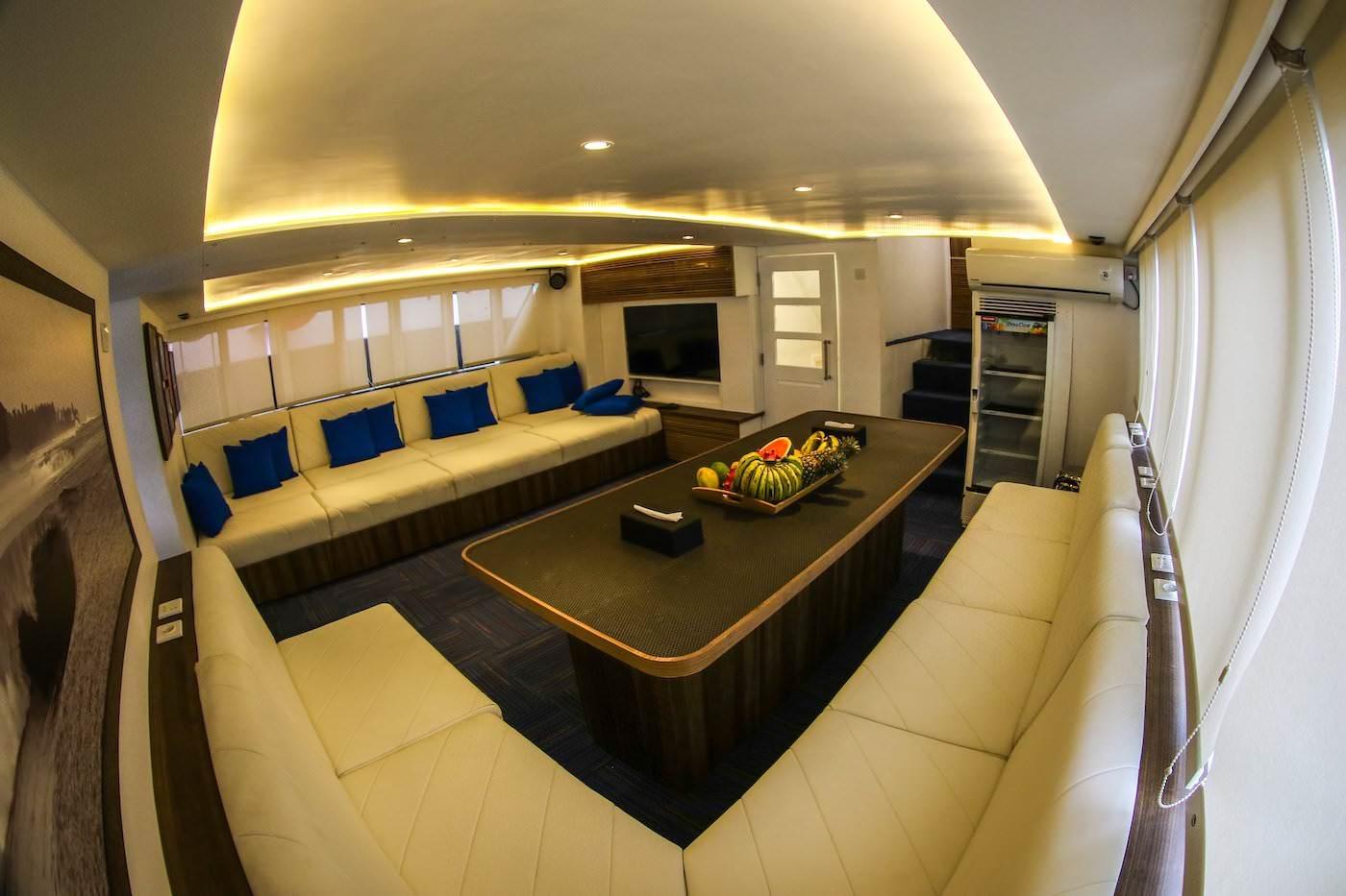Star Koat 2 Surf Charter Mentawai Banyaks Hinako Islands Trip Lounge
