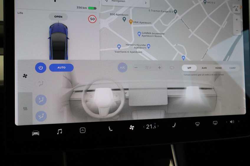 """Tesla Model 3 Long Range EX BTW 4% Bijtelling Navi Leder 18""""LM Blauw wit afbeelding 21"""
