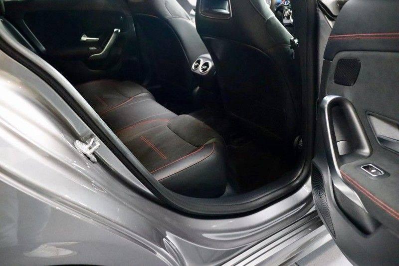 Mercedes-Benz CLA-Klasse 220 Premium Plus AMG|NIGHT|PANO|TREKHK Mercedes-Benz CLA-klasse 220 Premium Plus afbeelding 18