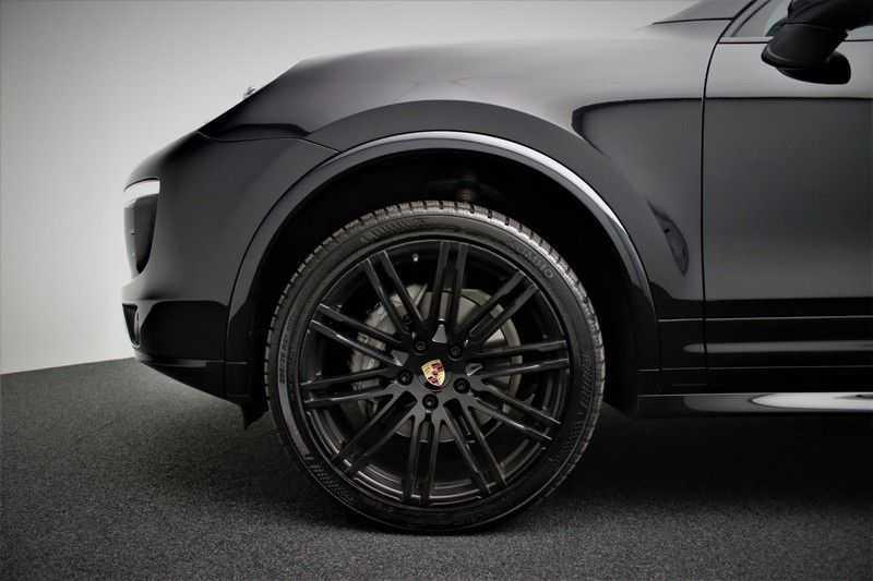 Porsche Cayenne 3.0 D Sport design  Porsche Approved Garantie Pano Lucht PDLS  afbeelding 25