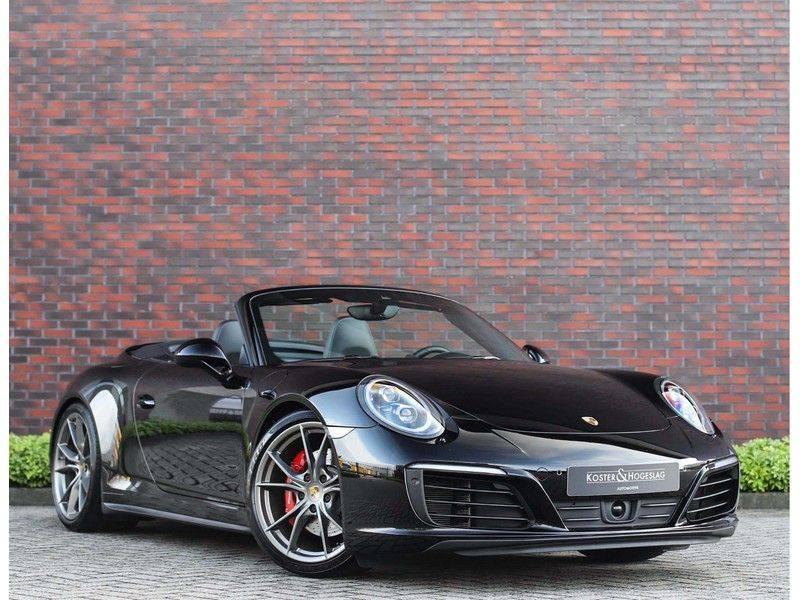 Porsche 911 Cabrio Carrera 4S *ACC*Bose*Chrono*Vierwielbesturing*Camera*Vol!* afbeelding 1
