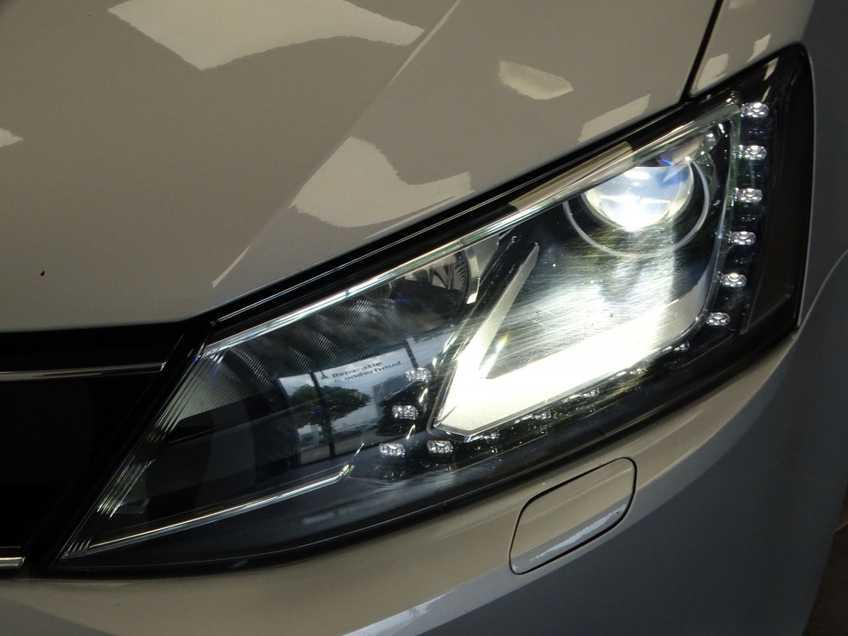 "Volkswagen Jetta 1.4 TSI Hybrid Highline Navigatie Xenon Clima Cruise 17""LM PDC Camera afbeelding 7"