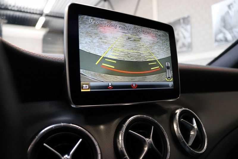 Mercedes-Benz CLA-Klasse Shooting Brake 200 OrangeArt Edition | VERKOCHT! | | Panoramadak | Memory stoelen | AMG Pakket | Night Pakket | Achteruitrijcamera | afbeelding 18