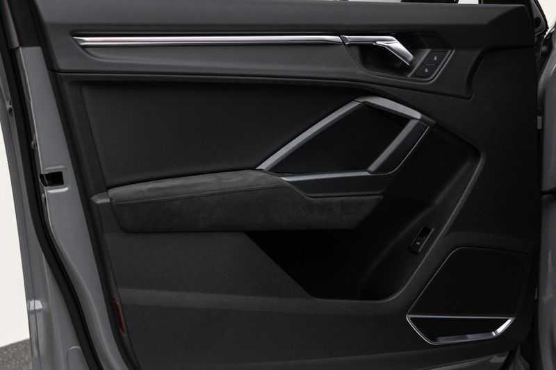 "Audi RSQ3 Sportback 2.5 TFSI 400pk Quattro Panoramadak BlackOptic B&O ValconaLeder+Memory Matrix Navi/MMI DriveSelect Keyless Camera 21"" Pdc afbeelding 11"