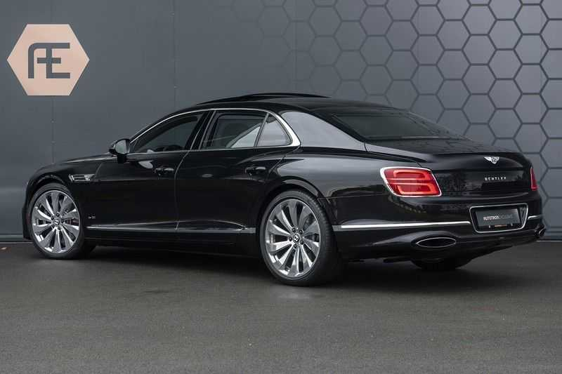 Bentley Flying Spur 6.0 W12 FIRST EDITION MY 2021 NAIM + Mulliner + Touring Spec + Head-Up + Bentley Rotating Display + Onyx Pearl / Beluga + Full Option + afbeelding 12