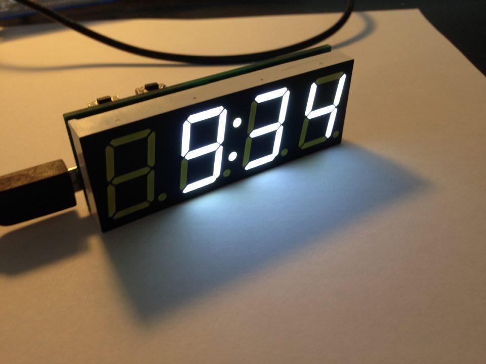 Простые часы на микроконтроллере ATMega328p