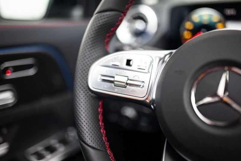 Mercedes-Benz GLA 200 AMG Line *Pano / HUD / Memorystoelen / 360 Cam / Burmester* afbeelding 8