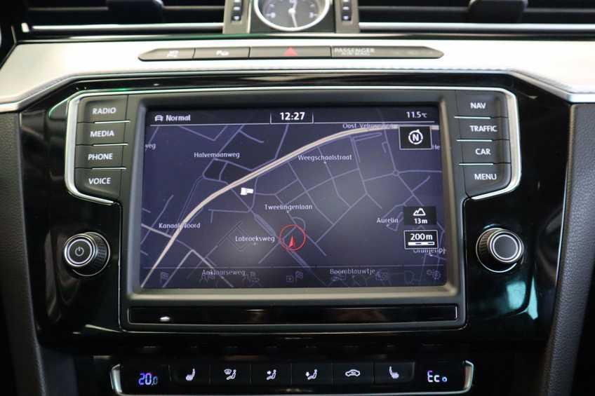 "Volkswagen Passat Variant 1.4 TSI GTE Highline Ex BTW! AD Cruise LED Leder 360 Camera HUD 20""LM afbeelding 18"