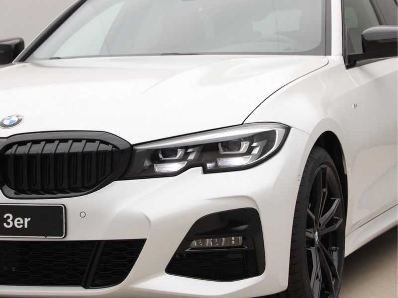 BMW 3 Serie Touring 318i Exe M-Sport Aut. afbeelding 15