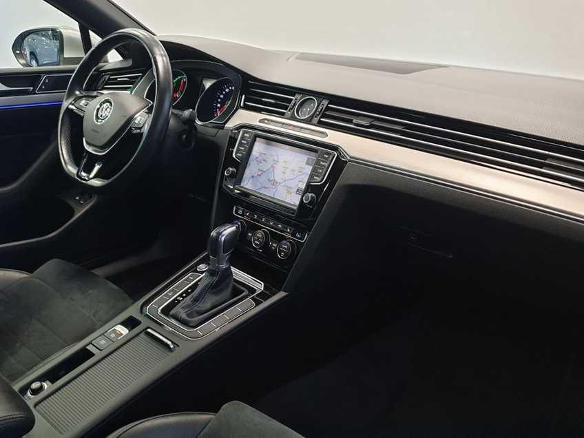 Volkswagen Passat 1.4 TSI GTE Highline EX BTW Navigatie Panoramadak LED PDC Clima Cruise 17`LM afbeelding 7