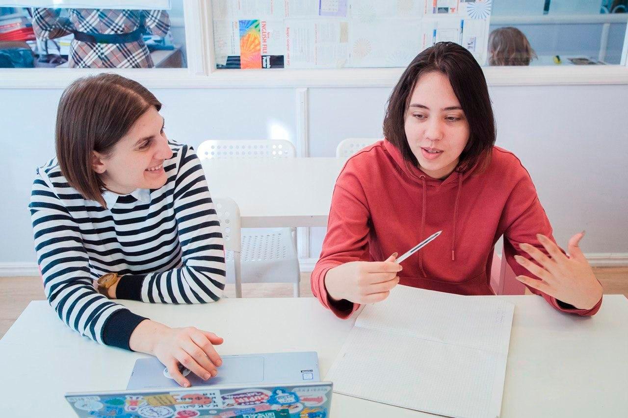Ани Петрс с учеником. Фото: Стельмахова Александра