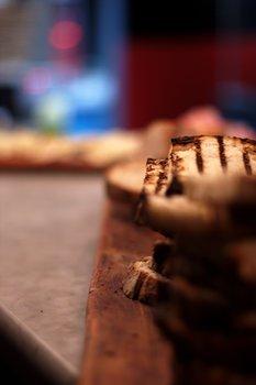 Bread 2079
