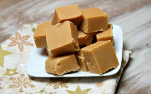 Easy-Peanut-Butter-Fudge-Recipe-1240