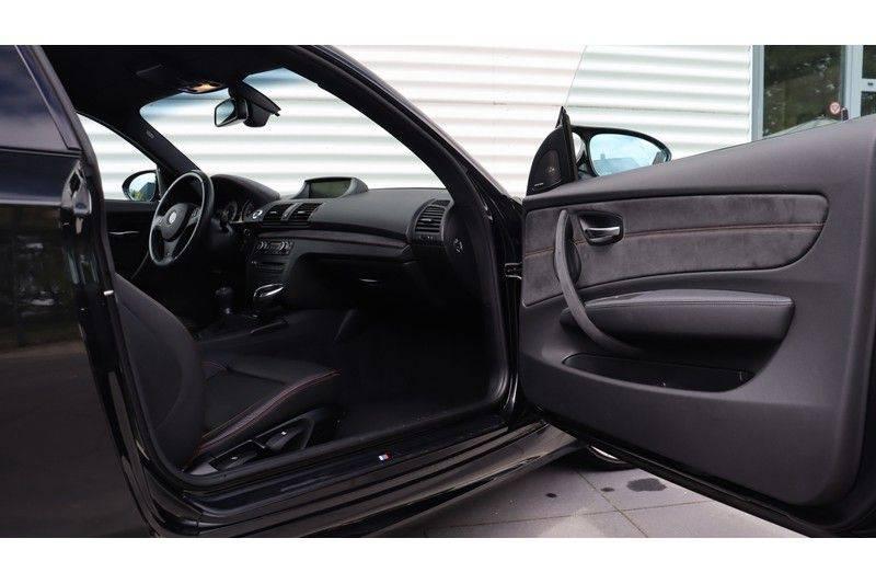 BMW 1 Serie Coupe 3.0i M Akrapovic, Harman/Kardon, Comfort Access afbeelding 16