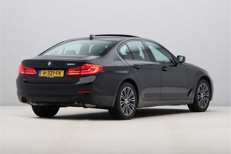 BMW 5 Serie 520i High Exe Sportline Aut. afbeelding 4