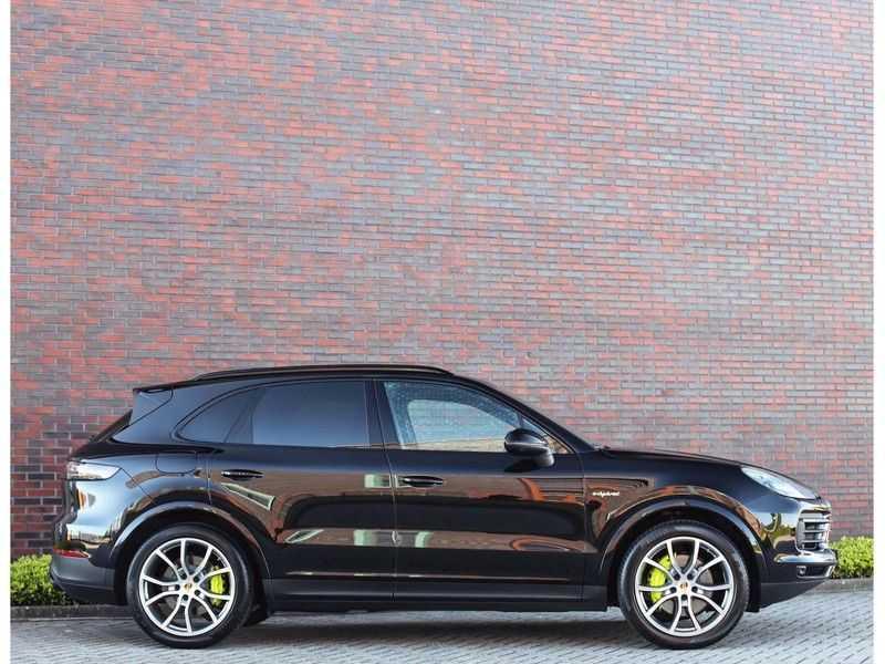 Porsche Cayenne 3.0 E-Hybrid *Pano*Chrono*ACC*PASM*HUD*Bose* afbeelding 25