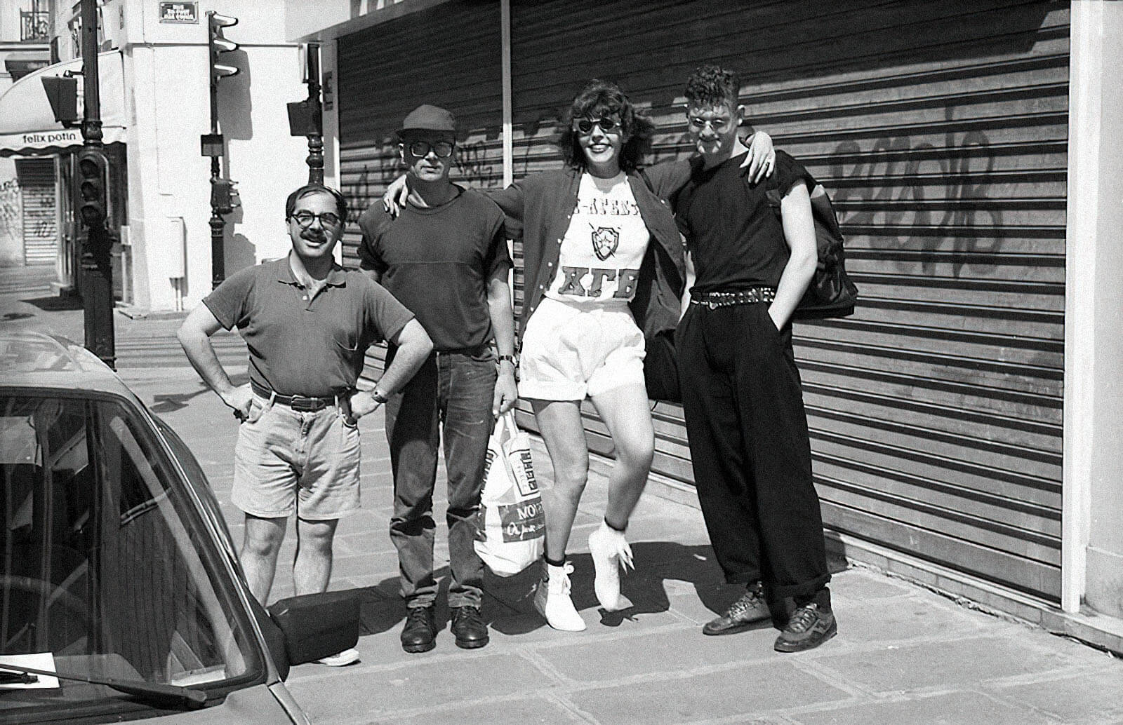 Эдуард Лимонов с Натальей Медведевой, Ярославом Могутиным и Марком Коэном, главным редактором L'Idiot International, Париж, 1992