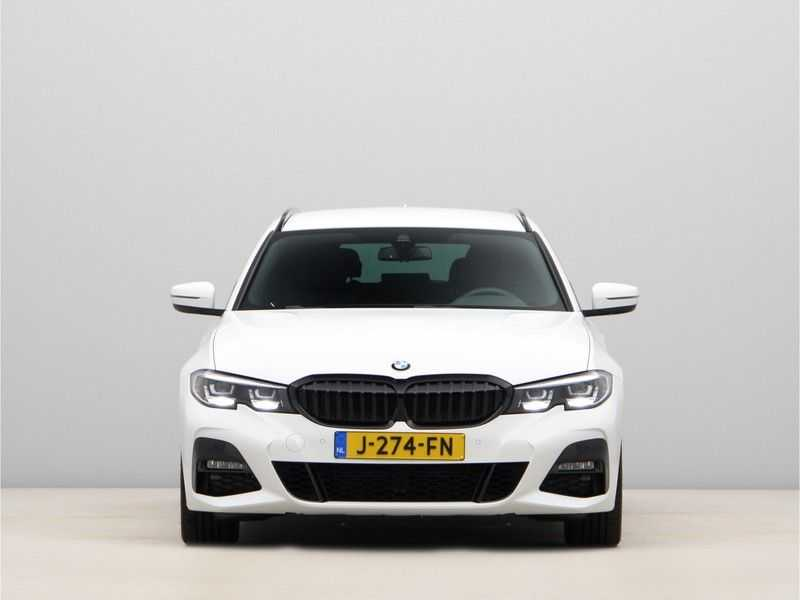 BMW 3 Serie Touring 320i Executive M Sport Aut. afbeelding 7
