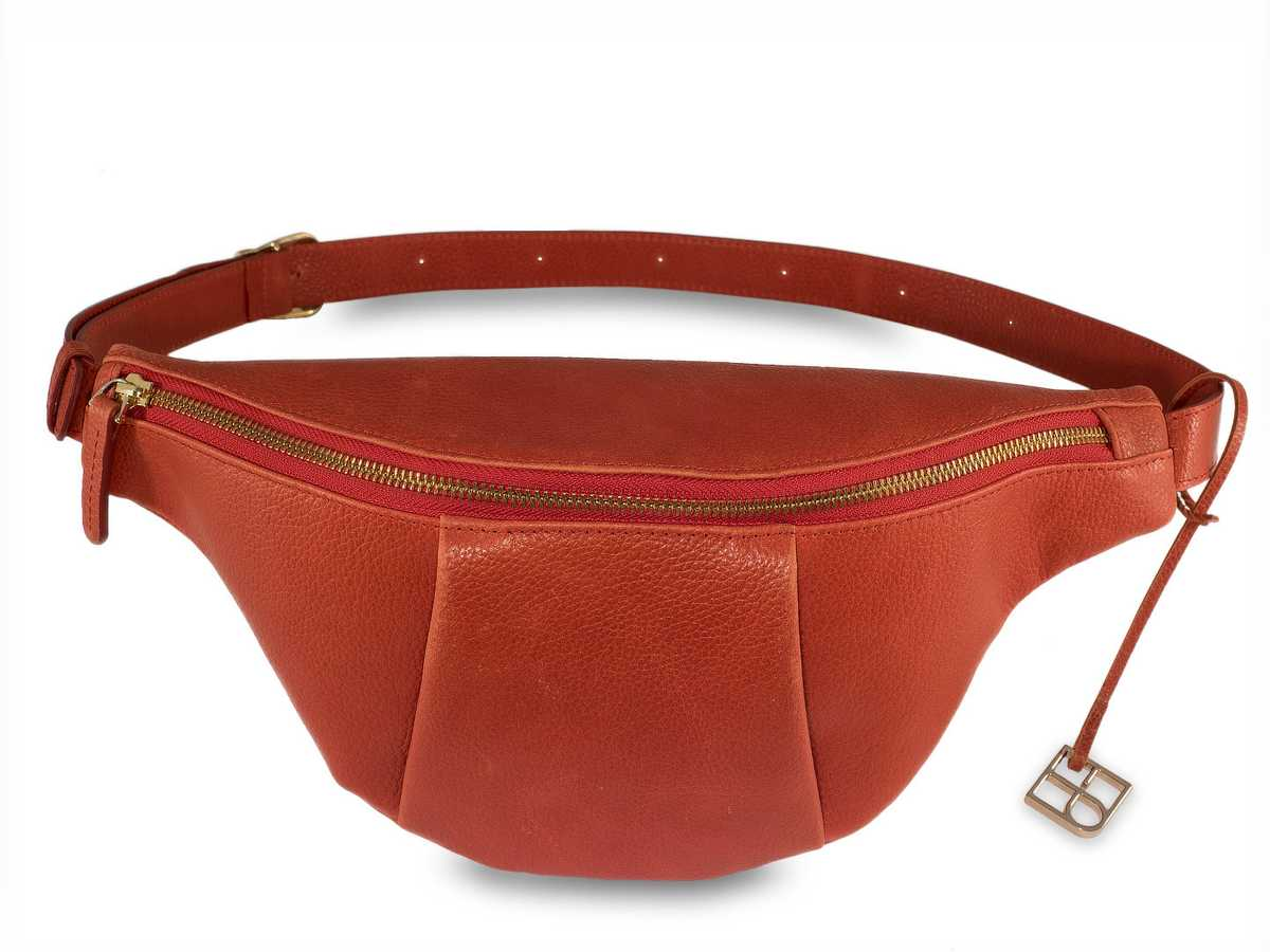 Leo Hip Bag - ruby