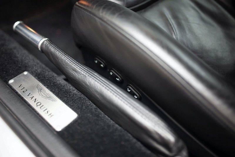 Aston Martin V12 Vanquish 5.9 *Absolute nieuwstaat!* afbeelding 22