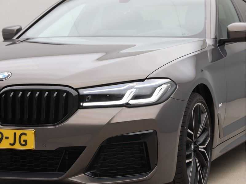 BMW 5 Serie 540i High Exe M-Sport afbeelding 23
