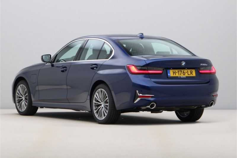 BMW 3 Serie 330e eDrive Edition High Executive afbeelding 3