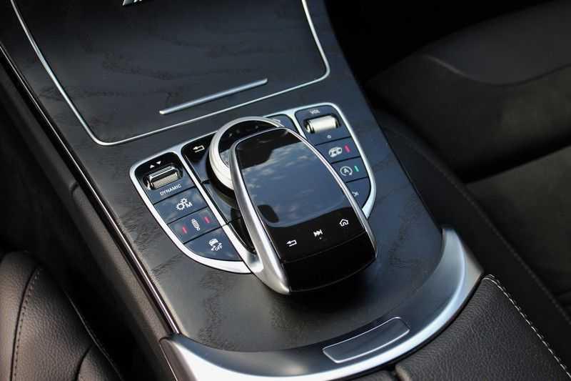 Mercedes-Benz C-Klasse C63 AMG 4.0 V8 Estate 476pk! **360°Camera/Burmester/Spoorassistent** afbeelding 17