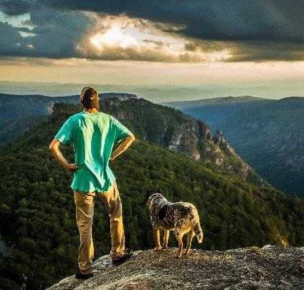 5 Hiking Dogs to Follow on Instagram