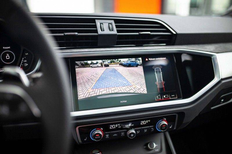 Audi RS Q3 2.5 TFSI Quattro *B&O / Pano / ACC / RS Sportstoelen / Sportuitlaat / Trekhaak* afbeelding 11