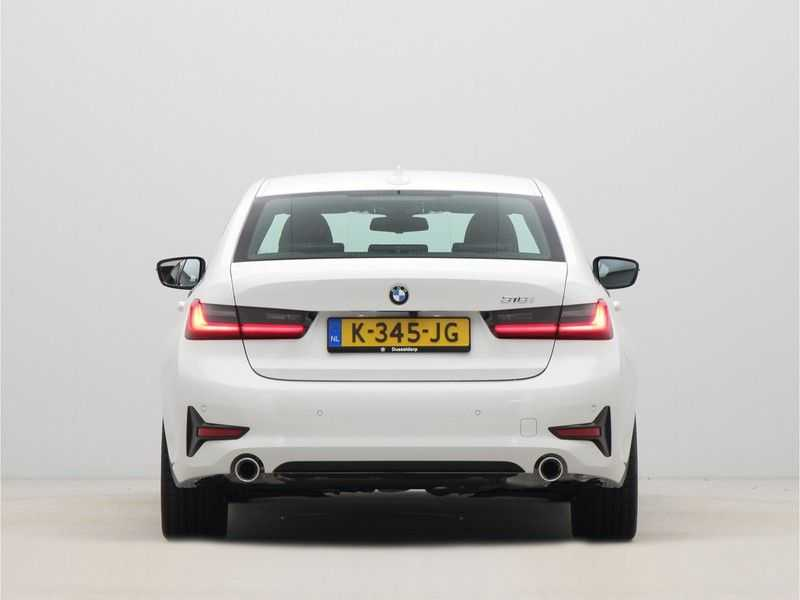 BMW 3 Serie Sedan 318i Executive Sport Line Automaat afbeelding 6