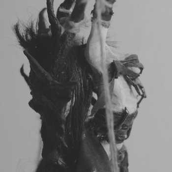 domina strega witch spider postapocaliptic fashion lust women feet long legs big breasts tits boobs