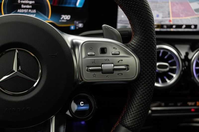 "Mercedes-Benz A-Klasse Limousine A35 AMG 306pk 4Matic Panoramadak Nightpakket Schaalstoelen Multibeam Head-Up Widescreen Burmester AmbientLight SuperSportStuur ComandOnline Full-Led 19"" Parktronic 360Camera Pdc afbeelding 24"